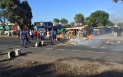 Politicians Missing as Mitchells Plain Residents & Siqalo Protesters Clash